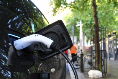 Top 10 európskych destinácií, kde sa oplatí cestovať elektromobilom